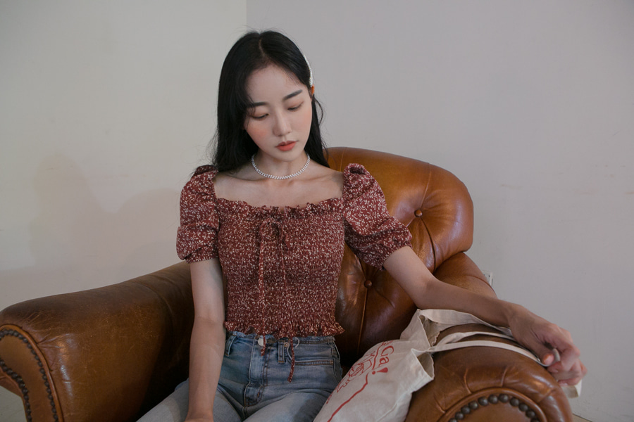 FLOWER SQUARE NECK FRILL BLOUSE(BRICK, NAVY 2COLORS!)