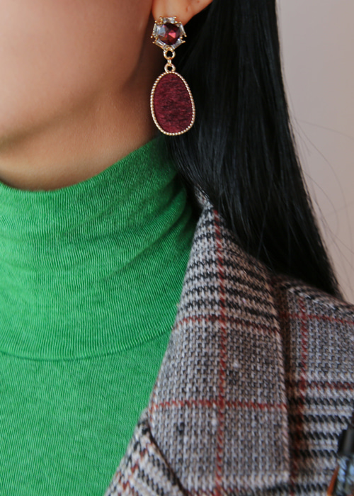 GRACE CALF SKIN EARRING(BEIGE, BURGUNDY, BLACK 3COLORS!)