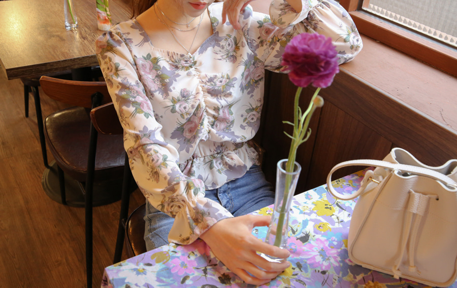SHIRRING BUSTIER FLOWER BLOUSE(IVORY, NAVY 2COLORS!)