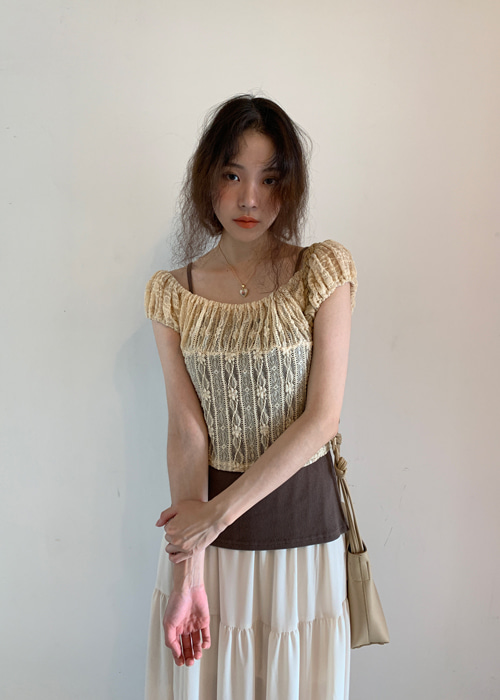 (♥팜므뮤즈 단독진행♥)EDEN FLORAL LACE SHIRRING BLOUSE T(BEIGE, BLACK 2COLORS!)