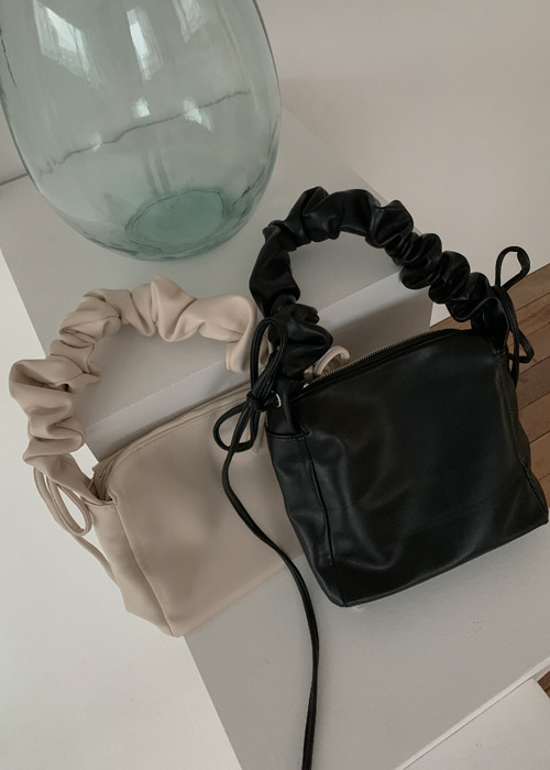 LEATHER RIBBON SHIRRING BAG(IVORY, BLACK 2COLORS!)