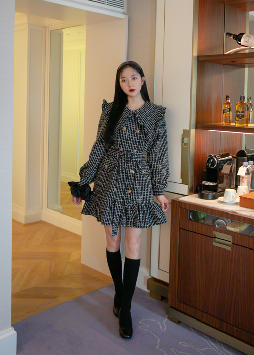 TWEED FRILL COLLAR DRESS WITH BELT