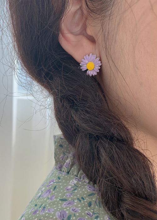DAISY EARRING(WHITE(GOLD), YELLOW(GOLD), PINK(GOLD), VIOLET(SILVER), BLUISH GREEN(SILVER) 5COLORS!)
