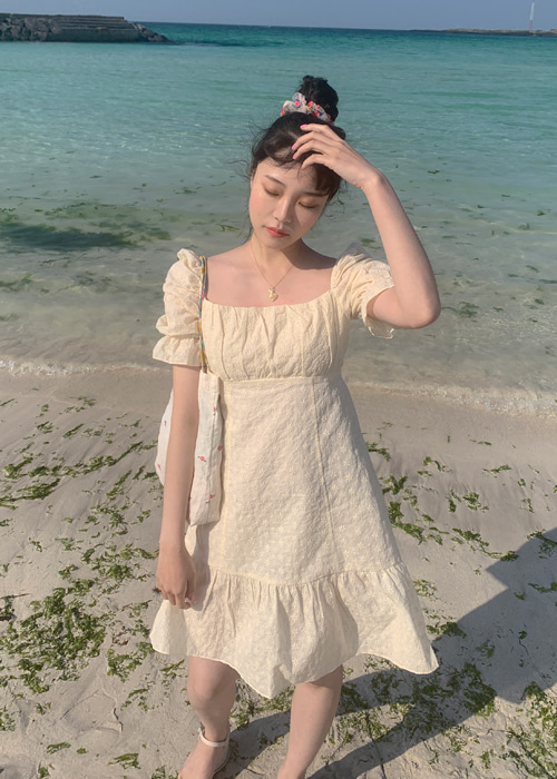 FLOWER EMBROIDERY BACK RIBBON DRESS(WHITE,BEIGE 2COLORS!)