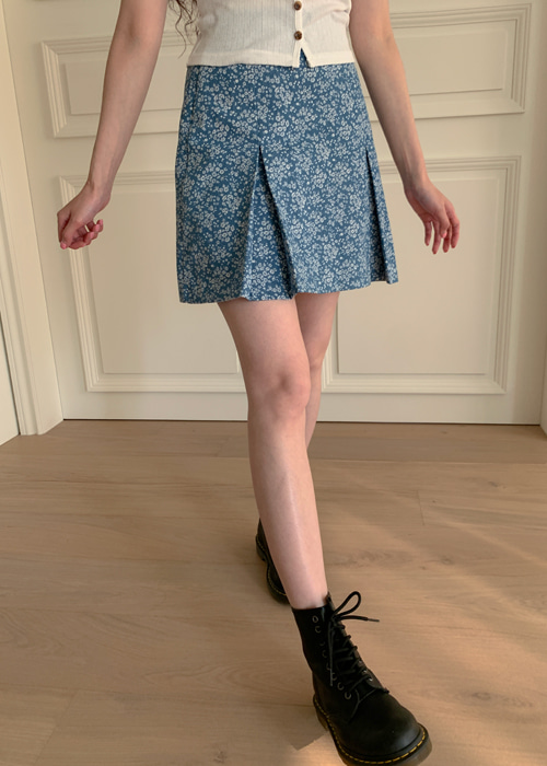 BLOSSOM PLEATS DENIM SKIRT