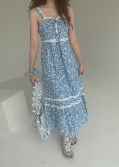 LACE RIBBON FLOWER DENIM DRESS