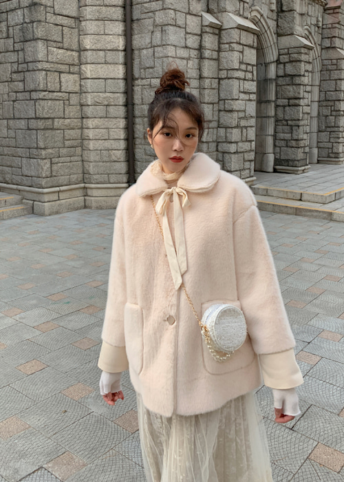 RIBBON SQUARE BUTTON FUR JACKET