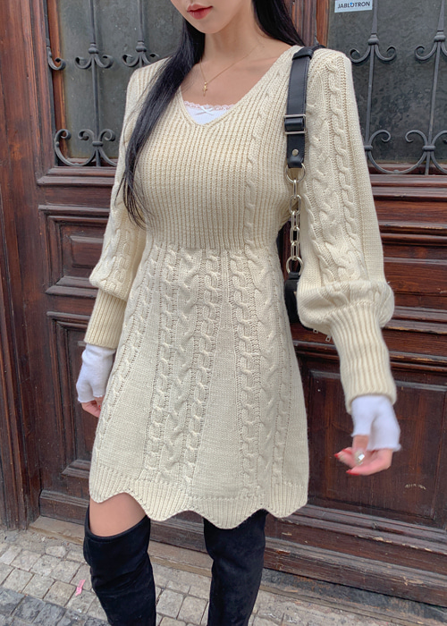 V-NECK TWIST KNIT DRESS(BEIGE, BLACK 2COLORS!)