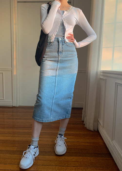 BACK SLIT DENIM LONG SKIRT(LIGHT WASH, DARK WASH 2COLORS!)