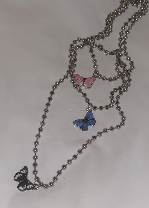 ROUND SILVER BUTTERFLY NECKLACE(PINK, BLUE, BLACK 3COLORS!)