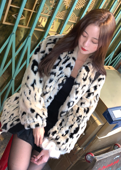 LEOPARD SOFT FUR JACKET