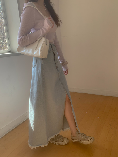 UNBALANCE BUTTON CUTTING DENIM LONG SKIRT